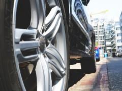 Jak dbać o efektowny wygląd felg samochodowych.