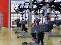 Rower treningowy – nie tylko dla osób pragnących spalić tkankę tłuszczową