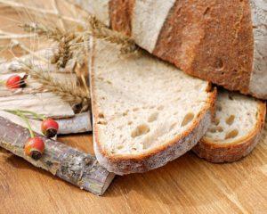 kromka chleba na zakwasie
