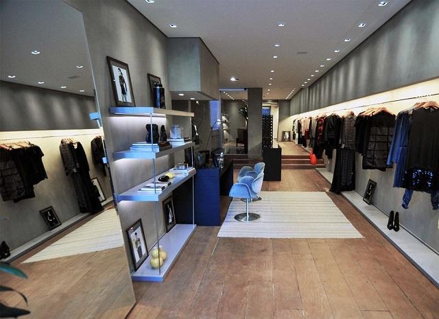 Wspaniały Wyposażenie sklepu odzieżowego – co się na nie składa? - Capital DD56